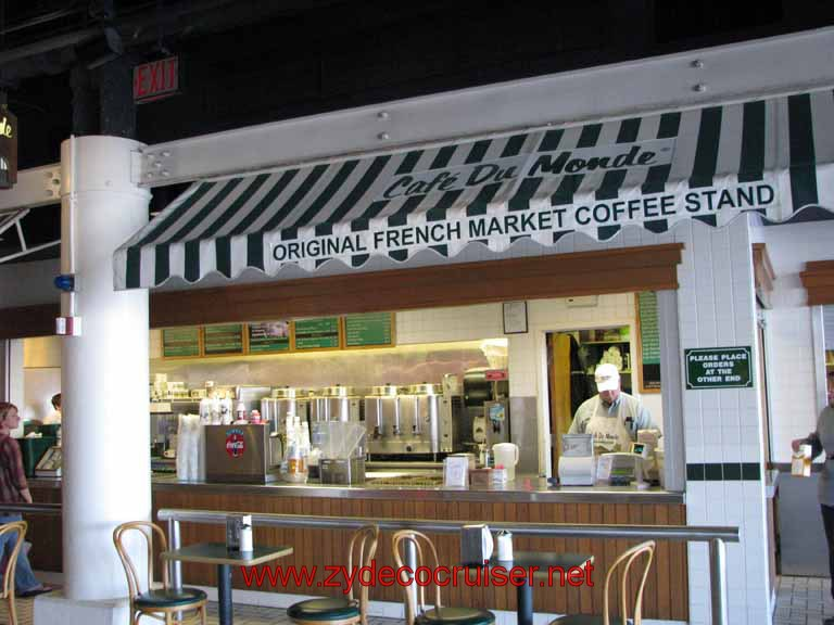 093: Cafe Du Monde - Riverwalk - New Orleans, LA