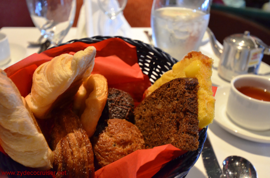 004: Carnival Cruise Seaday Brunch, Delicious Breads before 11am