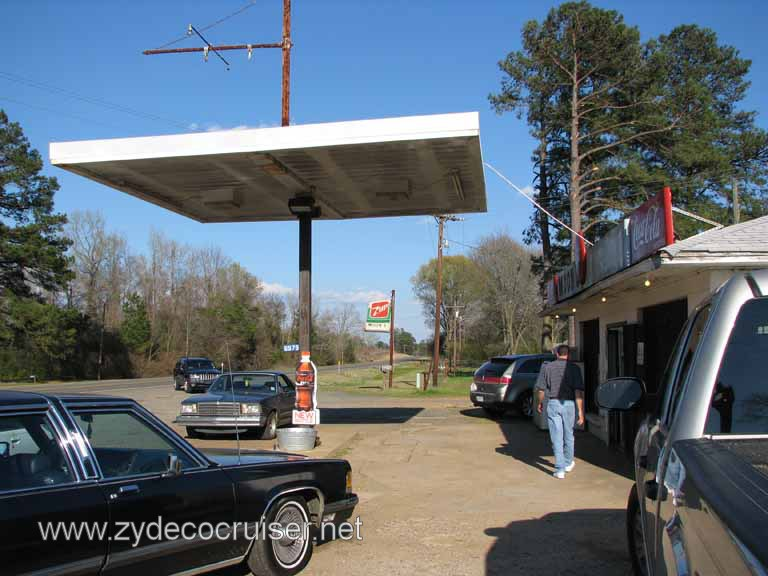 001: Moon's Grocery and Deli (aka J E Moon's Grocery), Homer, Louisiana