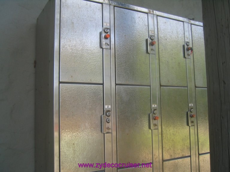 041: Carnival Liberty, Tortola, Patouche, Extreme Machine, The Baths, Virgin Gorda, Some of the lockers available